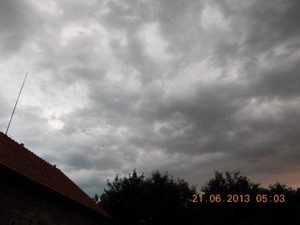 FOTKA - První letní den - 3 - nebe při bouřce a dešti