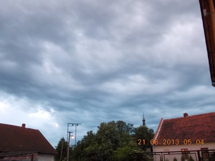 FOTKA - První letní den - 6 - nebe při bouřce a dešti