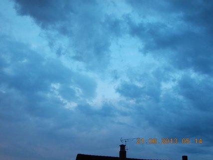FOTKA - První letní den - 11 - nebe při bouřce a dešti