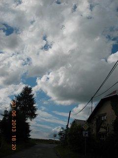 FOTKA - 23 - 24.6 - léto - 3 - letní mráčky na obloze