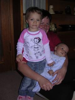 FOTKA - Adélka s Adámkem a tetou.