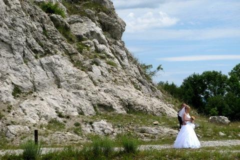 FOTKA -  arboretum Štramberk - ženich a nevěsta ve fotografii