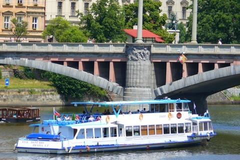 FOTKA - loď na Vltavě