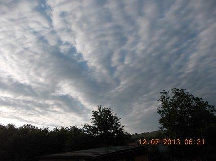 FOTKA - červenec - 2 - 26 - krásné mraky na nebi