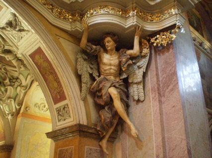 FOTKA - socha pilýře
