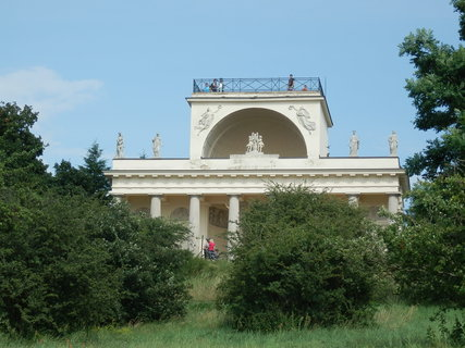 FOTKA - Apollonův chrám  ( Lednicko-valtický areál )