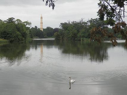 FOTKA - cestou k minaretu, zámecký park Lednice