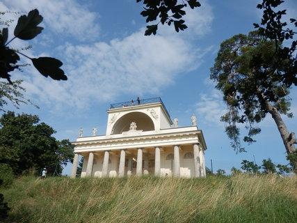 FOTKA - Apollonův chrám  (* Lednicko-valtický areál*)
