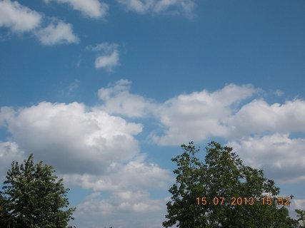 FOTKA - 15 - 18.7. - 12 - letní nebe