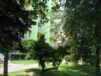 FOTKA - Dnes - liduprázdné sídliště i hřiště 7
