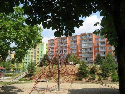 FOTKA - Dnes - liduprázdné sídliště i hřiště 13