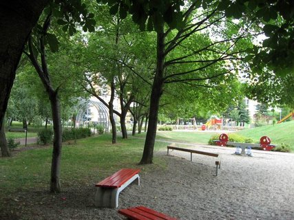 FOTKA - Dnes - liduprázdné sídliště i hřiště 25