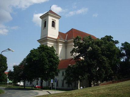 FOTKA - pohled na kostel
