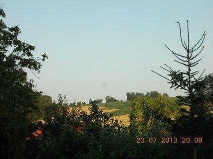 FOTKA - 23+ 24.7 - 8 - pohled z okna do do d�li
