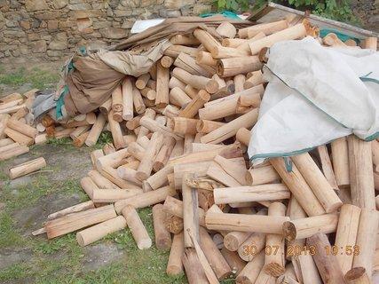 FOTKA - 30. července - 19 - ještě toho dřeva je hodně na odklizení
