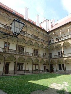 FOTKA - nádvoří zámku Bučovice, jižní Morava