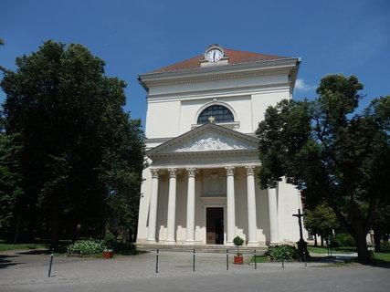 FOTKA - Kostel Vzkříšení Páně (Slavkov u Brna)
