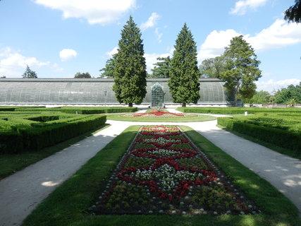 FOTKA - park a sklen�k - Lednice - ji�n� Morava