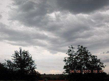 FOTKA - 4. srpna - 1 - před bouřkou
