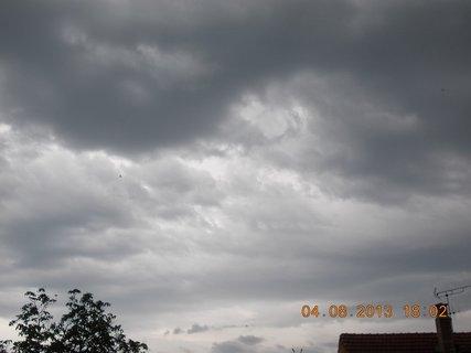 FOTKA - 4. srpna - 2 - před bouřkou