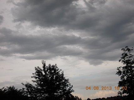 FOTKA - 4. srpna - 4 - před bouřkou