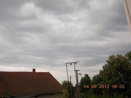 FOTKA - 4. srpna - 6 - před bouřkou
