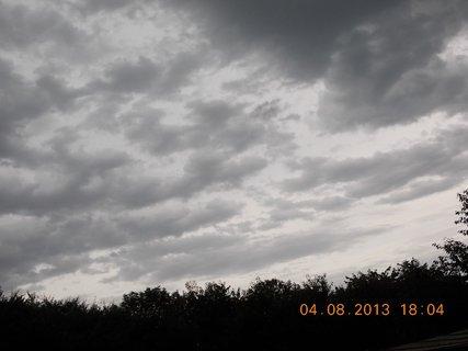 FOTKA - 4. srpna - 8 - před bouřkou
