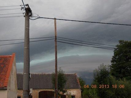 FOTKA - 4. srpna - 10 - před bouřkou