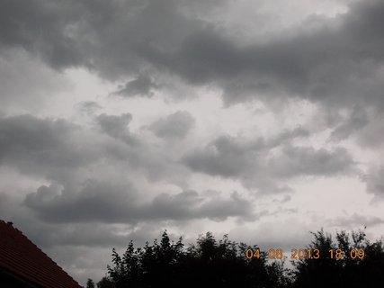 FOTKA - 4. srpna - 14 - před bouřkou