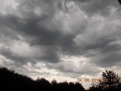 FOTKA - 4. srpna - 15 - před bouřkou