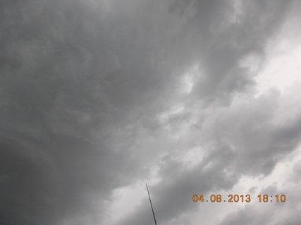 FOTKA - 4. srpna - 16 - před bouřkou