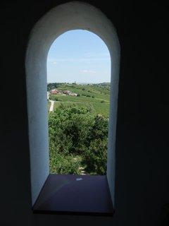 FOTKA - v�hled z rozhledny Dalibor (je betonov� a vedou na ni masivn� kovov� stupn�-sp�e �eb��ky)