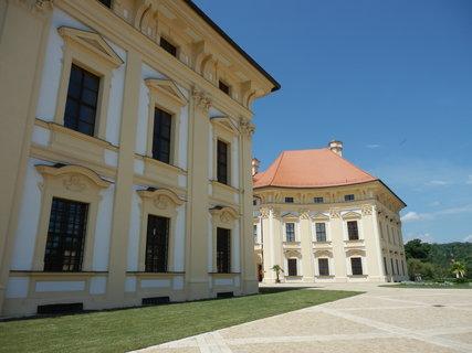 FOTKA - zámecký areál - Slavkov u Brna