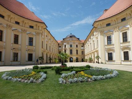 FOTKA - krásy jižní Moravy - zámek Slavkov u Brna
