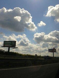 FOTKA - 14.8 + 15.8. - 18 - dcera fotila nebe po cestě k nám