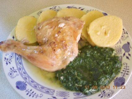 FOTKA - 16 - 19.8. - 7 - kuře, špenát, br. knedle, moje porce