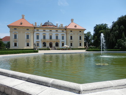 FOTKA - Slavkov u Brna - vodotrysk v zámeckém parku