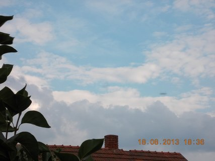 FOTKA - 19.8.+18.8. - 14 - podvečerní mraky před deštěm