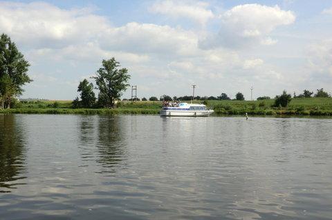 FOTKA - Jedna z lodí na Labi