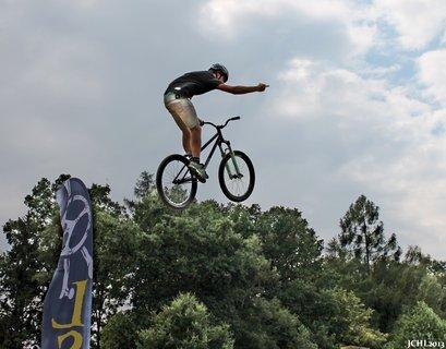 FOTKA - freestyle sout� na kolech