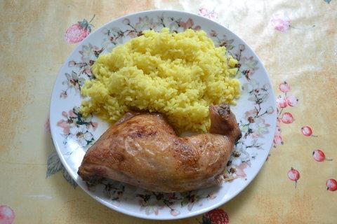 FOTKA - Pečená kučecí čtvrtka s kari rýží