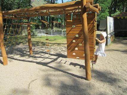 FOTKA - Dětské hřiště v ZOO Hodonín.