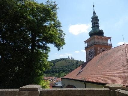 FOTKA - výhled na Svatý Kopeček od mikulovského  zámku