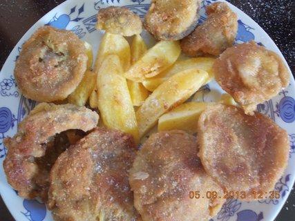 FOTKA - 5. září - 2 - 21 - opečené brambory a houbové řízky, manž. porce