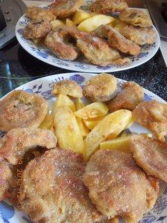 FOTKA - 5. září - 2 - 22 - opečené brambory a houbové řízky, milujeme