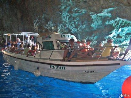 FOTKA - v mořské jeskyni - krásy moře