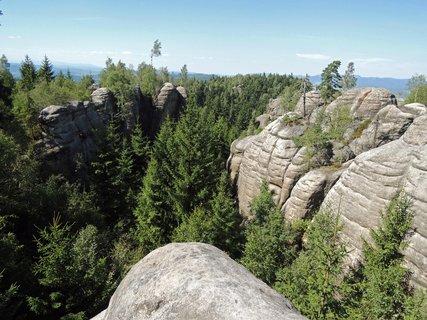 FOTKA - výhled na poličské skály z vrcholu