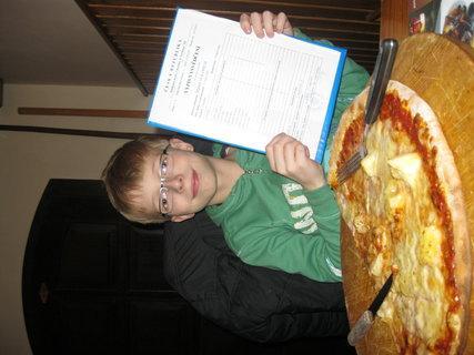 FOTKA - brácha a pizza