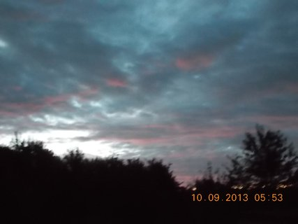 FOTKA - 10.9. - 9.9. - 8 -  nebe po ránu bylo zajímavé