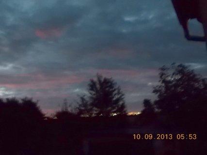 FOTKA - 10.9. - 9.9. - 9 -  nebe po ránu bylo zajímavé